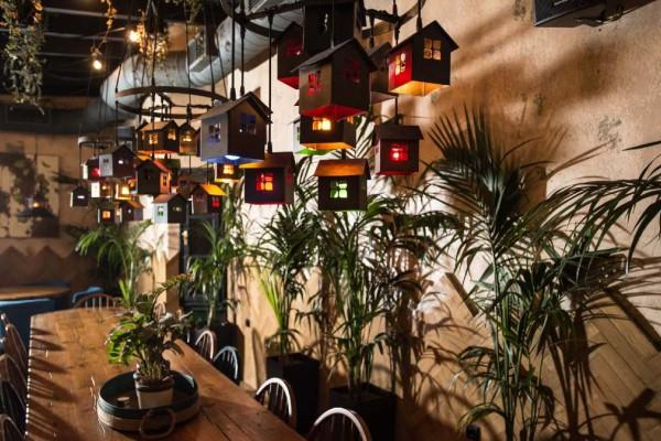 5+2: Τα πιο in cocktail bars της Αθήνας για να δροσιστείτε!