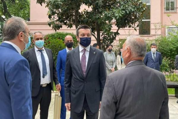 Θεσσαλονίκη: Προκλητικός ο Τούρκος υφυπουργός Εξωτερικών - Έκανε λόγο για απαράδεκτες πιέσεις στην τουρκική κοινότητα (Video)