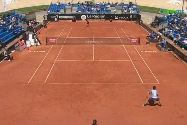 Στέφανος Τσιτσιπάς: Στον τελικό του Lyon Open προκρίθηκε ο Έλληνας τενίστας