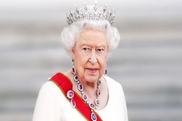 17 απίθανα πράγματα που δεν ξέρετε για την βασίλισσα Ελισάβετ - Τι θα συμβεί μόλις πεθάνει;