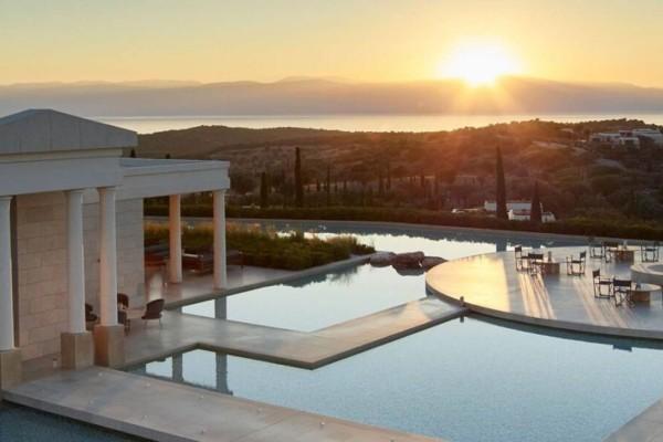 Στην Πελοπόννησο το ακριβότερο ξενοδοχείο - Δείτε πόσο κοστίζει η διαμονή