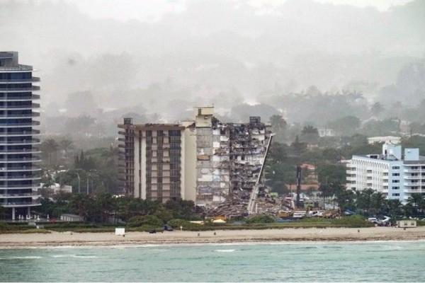 Στους 11 ο απολογισμός των νεκρών από την κατάρρευση κτιρίου στο Μαϊάμι - Αγνοούνται 150 άνθρωποι (Βίντεο)