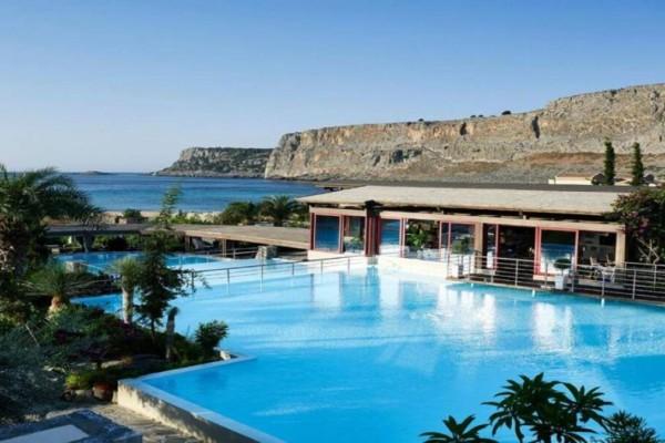 Ρόδος: Το 5άστερο ξενοδοχείο με την ιδιωτική παραλία που μάγεψε τον Τάσο Δούση