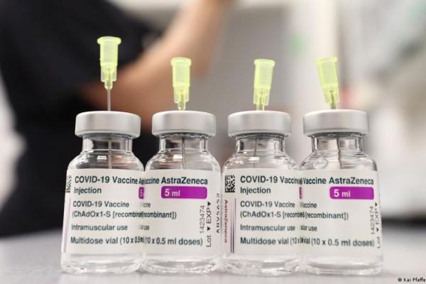 AstraZeneca: Νέες οδηγίες από τον EMA για θρομβώσεις και χαμηλό αριθμό αιμοπεταλίων - Η ανακοίνωση από τον ΕΟΦ