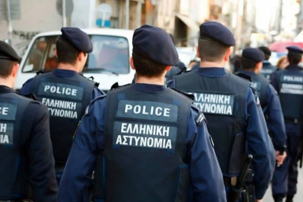 Θεσσαλονίκη: «Ντου» αστυνομικών στο Πολυτεχνείο λόγω κορωνοπάρτι - Ένας τραυματίας στο νοσοκομείο