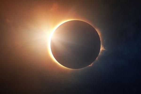 Εκλειψη Ηλίου: Πότε θα γίνει - Πού θα είναι ορατό το θεαματικό γεγονός