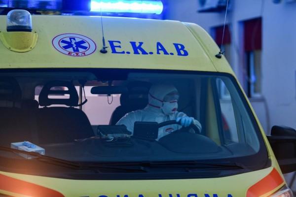 Θεσσαλονίκη: Στο νοσοκομείο δίχρονο κοριτσάκι που παρασύρθηκε από το Ι.Χ. του πατέρα της