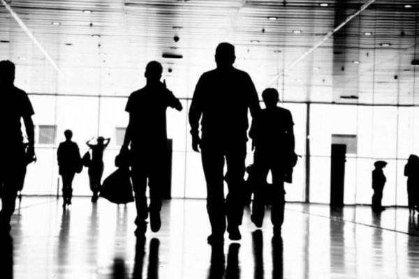 Ψηφιακή κάρτα εργασίας: Τι σημαίνει για την καθημερινότητα των εργαζομένων - Ο οδηγός του νέου νομοσχεδίου