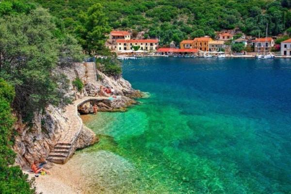 9+1 υπέροχοι παραθαλάσσιοι προορισμοί για καλοκαιρινές διακοπές