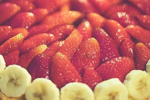 Μπανάνες και φράουλες: Κάνουν θαύματα στον οργανισμό καταναλώστε άφοβα