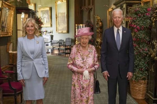 Ο Τζο Μπάιντεν συνάντησε την βασίλισσα Ελισάβετ: «Μου θύμισε τη μητέρα μου» - Η συζήτηση με θέμα τον Πούτιν