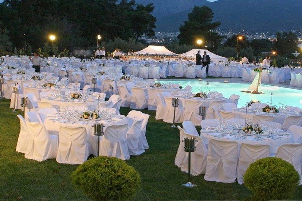 Άρση μέτρων: Γάμοι με 300 καλεσμένους, μουσική αλλά χωρίς... χορό!