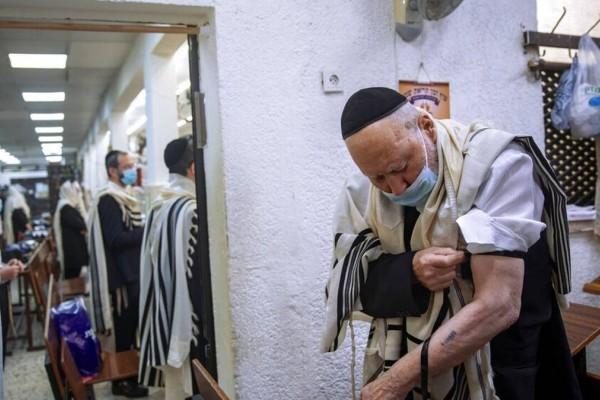 Ισραήλ: Η μετάλλαξη Δέλτα επαναφέρει τη μάσκα στους κλειστούς χώρους - Καμπανάκι Τσιόδρα για τη νέα μετάλλαξη