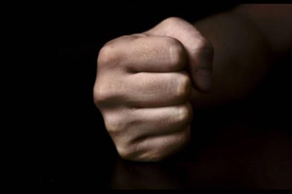 Άγριος ξυλοδαρμός 18χρονης στη Χαλκίδα: Σάπισε στο ξύλο την πρώην του επειδή έπινε καφέ με φίλους της!