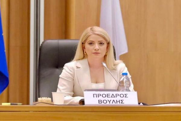 Η Αννίτα Δημητρίου είναι η πρώτη γυναίκα πρόεδρος της Κυπριακής Βουλής - Ποια είναι η 36χρονη πολιτικός