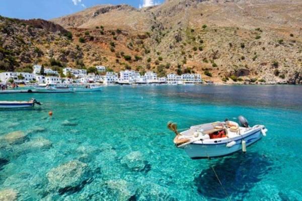 Το καθηλωτικό χωριό των Χανίων με τις μυστικές παραλίες