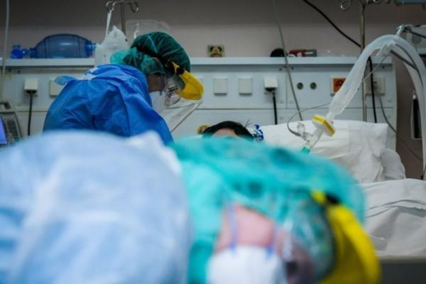 Διασωληνώθηκε 22χρονος στο «Σωτηρία» - Μη εμβολιασμένοι οι περισσότερες εισαγωγές