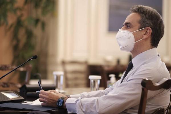 Βόμβα από την κυβέρνηση: Θα μπορεί να απολυθεί από την εργασία του όποιος δεν κάνει το εμβόλιο!