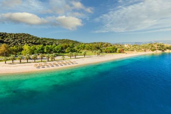 Νησιώτισσα: Η πανέμορφη παραλία στην Βόρεια Εύβοια που θα σας μαγέψει (Video)