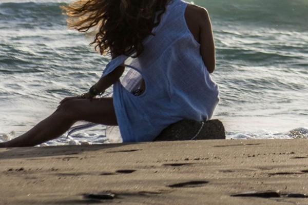 Καταγγελία-σοκ στην Κω: «Με βίαζε στην παραλία όλο το βράδυ»