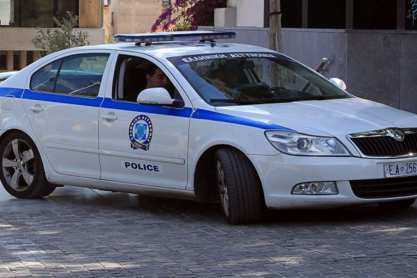 Περιπολικό της Αστυνομίας κινείται αντίθετα στη Βασιλίσσης Σοφίας!