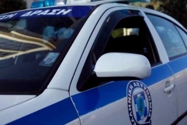 Συνελήφθη επ' αυτοφώρω 19χρονος να αυνανίζεται μπροστά σε ανήλικη – Τον εντόπισε ο πατέρας της κοπέλας