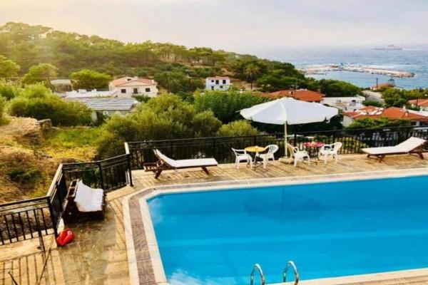 5+1: Υπέροχα ξενοδοχεία στην Ικαρία με τιμές κάτω από €45 και εξαιρετικές κριτικές στο booking - O Τάσος Δούσης προτείνει τις καλύτερες επιλογές
