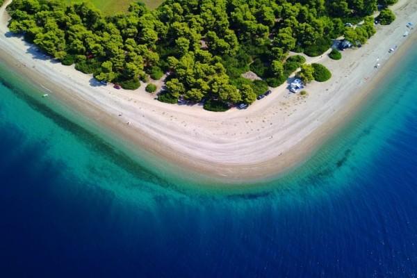Η εξωτική τεράστια παραλία σ' ένα γραφικό χωριό της Εύβοιας που θα σας εντυπωσιάσει!
