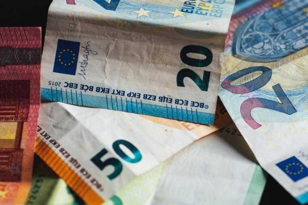 «Βρέχει» λεφτά στις συντάξεις: Έρχεται το πρώτο κύμα αναδρομικών - Ποιοι θα δουν αύξηση