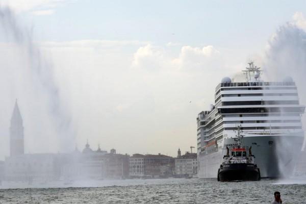 Βενετία: Οργή για την άφιξη του πρώτου κρουαζιερόπλοιου από την έναρξη της πανδημίας
