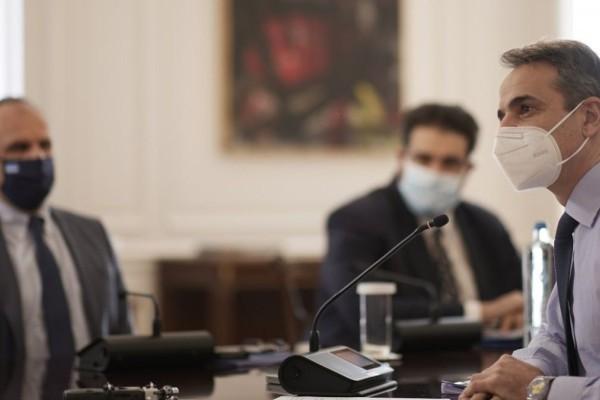 Συνεδριάζει το Υπουργικό Συμβούλιο: Τα θέματα που θα συζητηθούν - Τι αλλάζει στην ασφάλιση