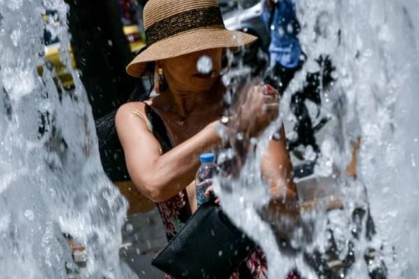 Καιρός σήμερα: Στο «κόκκινο» ο υδράργυρος και την Παρασκευή - Σάκης Αρναούτογλου: «Κόβεται» στα δυο η χώρα