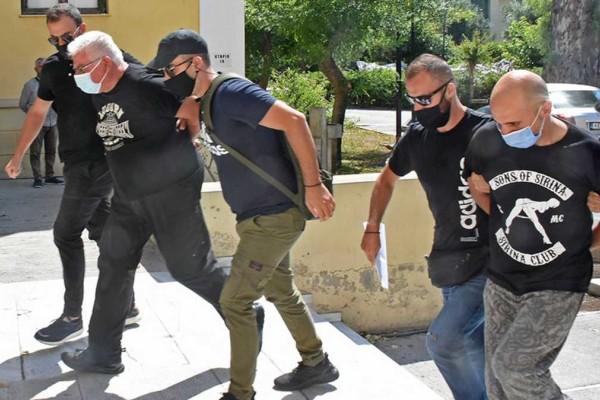 Απίστευτο: Ο αστυνομικός-κτήνος της Ηλιούπολης απειλούσε τους συναδέλφους του σε ΕΔΕ!