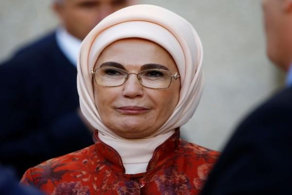Σάλος από τις δηλώσεις της συζύγου του Ερντογάν για την «εκστρατεία κατά της σπατάλης»