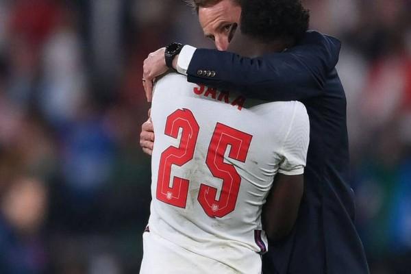 Euro 2020: Ρατσιστικό παραλήρημα από ηλίθιους Άγγλους! Επίθεση σοκ στους μαύρους παίκτες της ομάδας που έχασαν πέναλτι