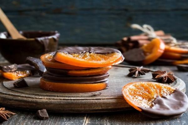 Λαχταριστά καραμελωμένα πορτοκάλια βουτηγμένα σε σοκολάτα!