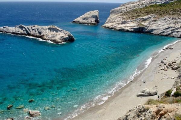 Θρίλερ στη Φολέγανδρο: Νεαρή γυναίκα ανασύρθηκε νεκρή από τη θάλασσα