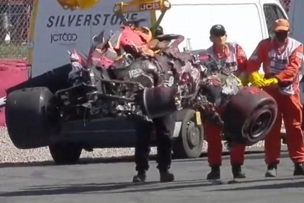 Formula One: Τρομακτικό τροχαίο Χάμιλτον - Φερστάπεν, διεκόπη το Grand Prix και ολοκληρώθηκε με... θρίαμβο του πρώτου!