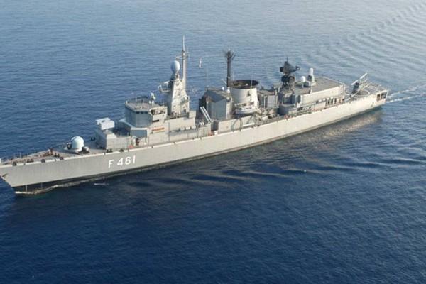 Συναγερμός στο Πολεμικό Ναυτικό - Συρροή κρουσμάτων σε φρεγάτα