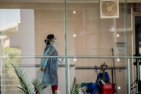Βόλος: Οι εργαζόμενοι του γηροκομείου... τρέχουν να εμβολιαστούν μετά το θάνατο της 96χρονης