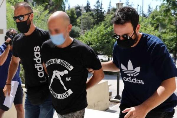 Ηλιούπολη: «Κόλαφος» ο Εισαγγελέας για πατέρα και αστυνομικό - «Βαριά» η δίωξη εναντίον τους για τη 19χρονη