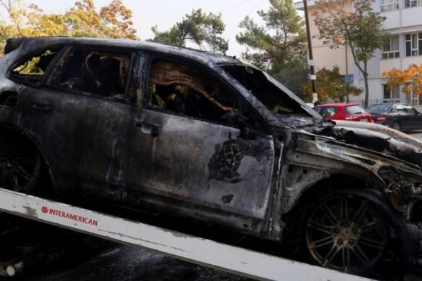 Σοκ στη Θεσσαλονίκη: Εντοπίστηκε σορός ατόμου σε καμένο Ι.Χ.