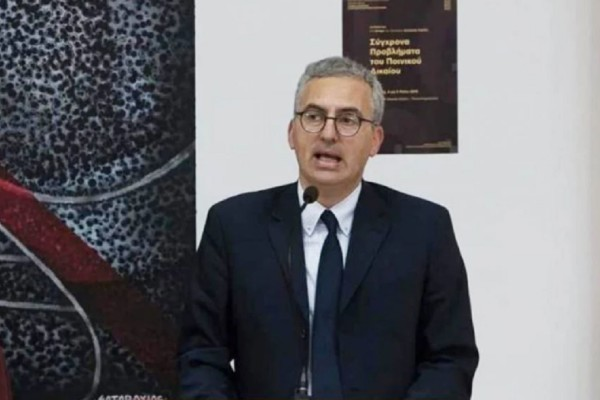 Καταγγελία «βόμβα» από τον καθηγητή Κωνσταντίνο Βαθιώτη: «Ο Εισαγγελέας Τσιρώνης έμεινε φυτό από το εμβόλιο της Astrazeneca!»