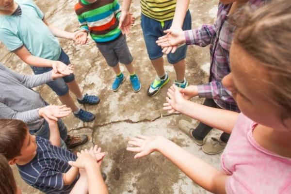 Κορωνοϊός: Έρχονται μέτρα και για τα παιδιά στις κατασκηνώσεις