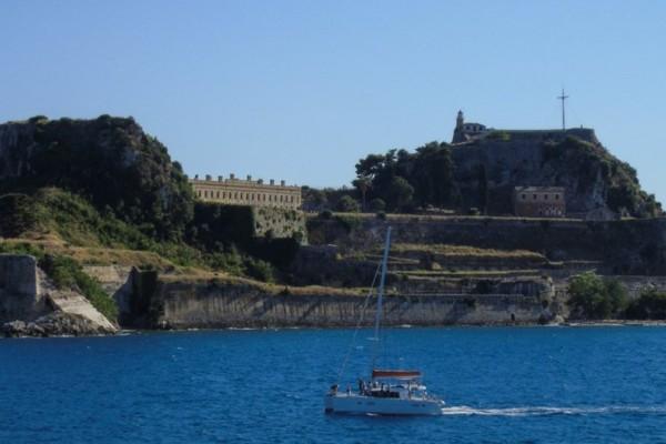 Κέρκυρα: Νεκρή γυναίκα μετά από πτώση δίπλα στο Παλιό Φρούριο