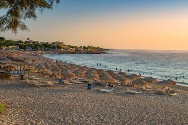 Διακοπές στην πανέμορφη Κυπαρισσία - Ανακαλύψτε τα λιθόστρωτα καλντερίμια στις ακτές του Ιονίου