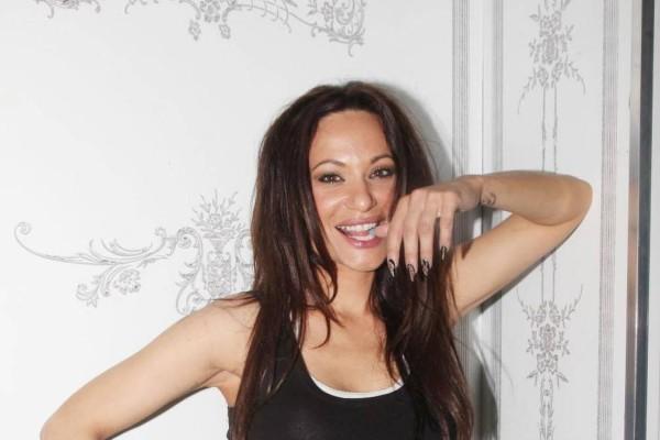 Αρετουσάριστη Μάρω Λύτρα: Με μαγιό στα 50 της μας δείχνει το απίστευτο κορμί της!