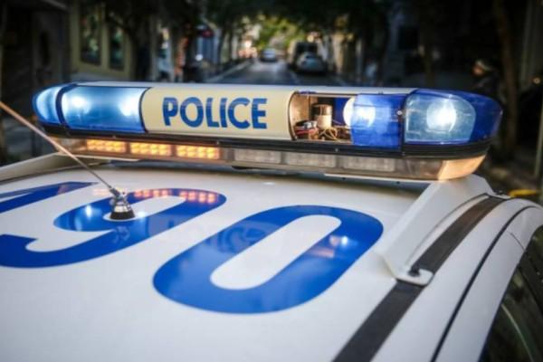 Θρίλερ στην Αρτέμιδα: Άνδρας πήγε να αυτοκτονήσει live στο Facebook - Τον πρόλαβε η Αστυνομία με το όπλο στο κεφάλι