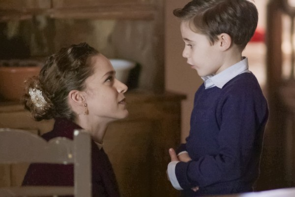 Άγριες Μέλισσες - Spoiler:  Ο εγγονός του Δούκα επιστρέφει στην τρίτη σεζόν ως έφηβος με το κορίτσι του