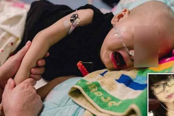 Μωράκι με καρκίνο κλαίει και θέλει τη μαμά του που το εγκατέλειψε λόγω της ασθένειάς του